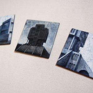 """Joanna Pałys, """"Element modernistyczny 1 - 2 - 3"""", akryl na tekturze, trzy miniatury o wymiarach 10 x 10 cm,  I Nagroda w 7. Międzynarodowym Biennale Miniatury, OPK Gaude Mater, Częstochowa  2012"""